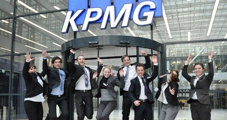 A jornada do Jovem Talento KPMG é dinâmica e baseada no desenvolvimento de competências.